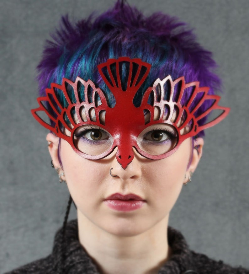 Bird mask in red leather image 0