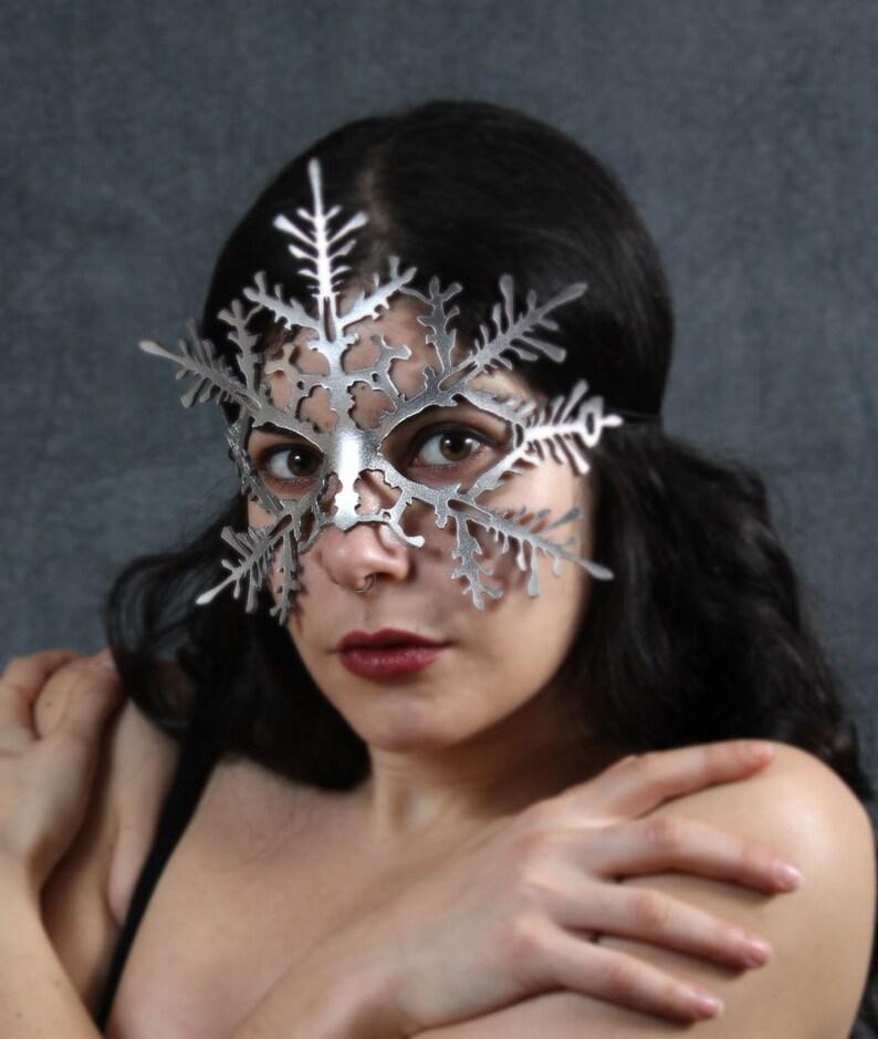 Snowflake leather mask   Nutcracker Frozen image 0
