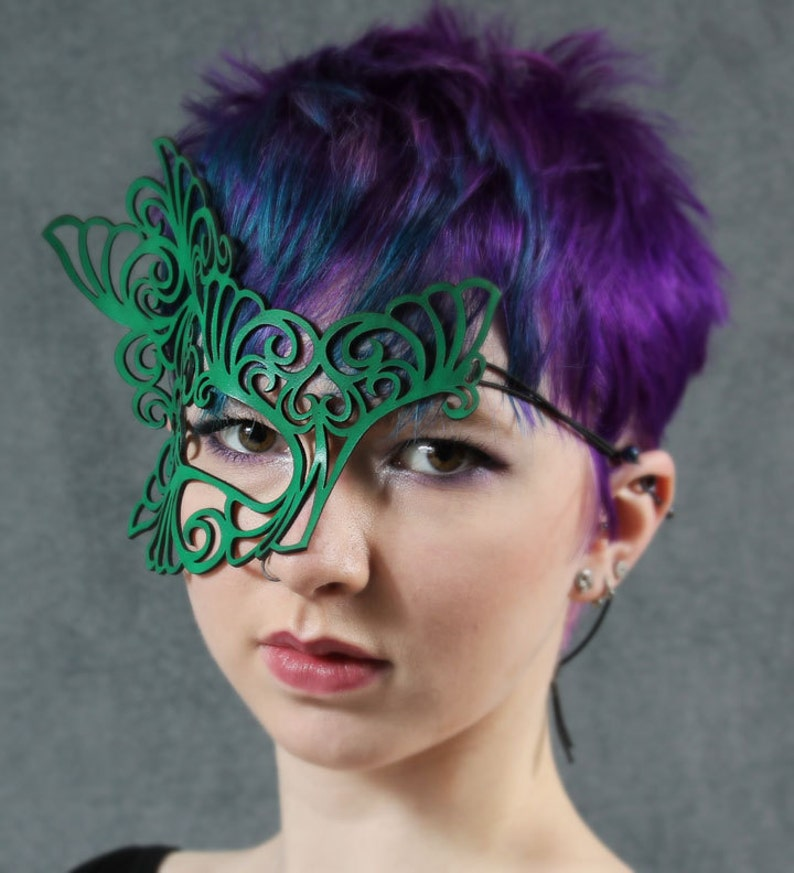 Roxy leather mask in bright green image 0