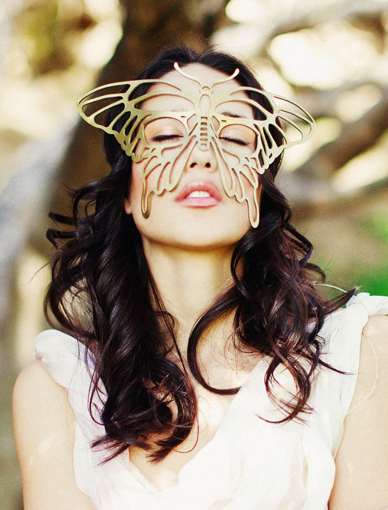 Butterfly leather mask in Gold image 0