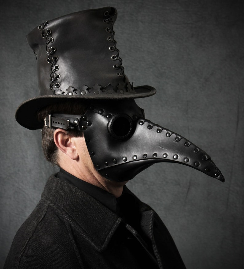 Plague Doctor mask in black leather Schnabel image 0
