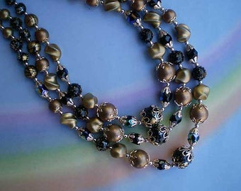 Vintage 60s Triple Strand Bead Choker Necklace