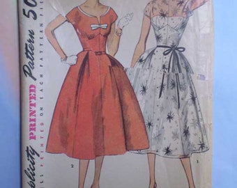 Vintage 50s Full Skirt Dress with Bows Pattern 30 24 35