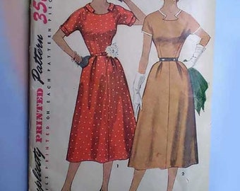 Vintage 50s Dress with Detachable Neck & Sleeve Trim Pattern 30 24 33