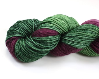 Larkspur--hand dyed worsted weight, merino superwash (218yds/100gm)