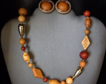 Wood & Gold Tone Necklace and Earring Set/Shoe Clips - Vintage