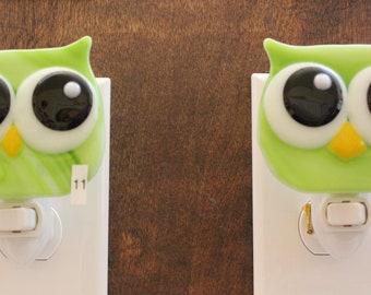Fused Glass Owl Nightlight, Sour Apple Nightlight, Green and White Swirl,  Nite-Owl, Night Light