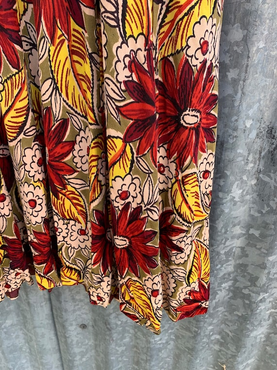 Very Rare Vintage 1940's Jersey Knit Rayon Floral… - image 8