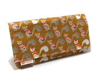 Squirrel wallet. Women's wallet. Card wallets for women. Zipper wallet. Fabric wallet. Vegan wallet. Squirrels with sweaters.