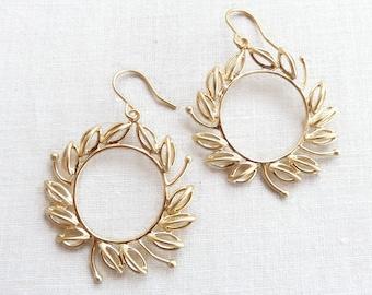 Lauren - wreath earrings in matte gold - hoop earrings - graduation - gold wreath earrings - laurel wreath