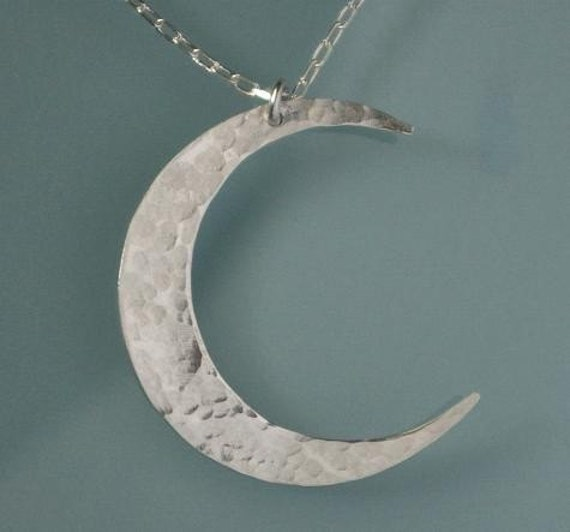 Azaggi 925 Sterling Silver Pendant Necklace Tiny Hammered Crescent Moon Charm Pendant Necklace Lobster Claw.This 925 Sterling Silver Necklace is the Perfect Holiday Gift Jewelry Gift For Her For Him