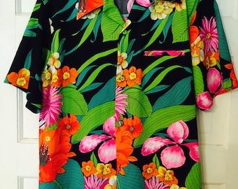 Vintage Hawaiian Shirt by Waltah