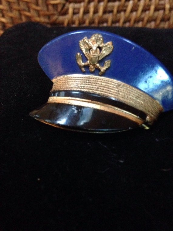 40's locket/ brooch soldiers hat