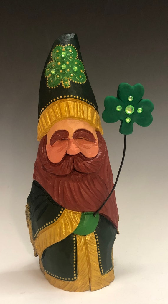 "HAND carved original 10"" tall Irish Santa w/ shamrock balloon from 100 year old Cottonwood Bark."