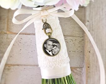 Bridal Bouquet Charm, Wedding Bouquet Photo Charm, Personalized Charm, Memorial Charm, Bouquet Pendant, Bridal Party Favor, Wedding Gift