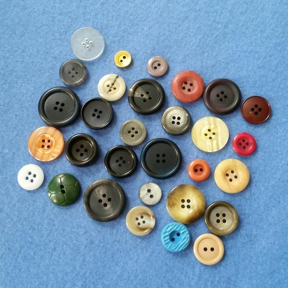 Vintage Button Assortment Mix, 30 vintage buttons, instant collection no  3
