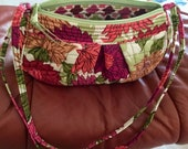 Vintage Vera Bradley Bag, Crossbody, Purse, Cotton Fabric, Zippered Closure, Pink Peach and green Floral print