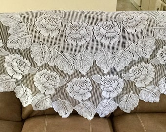 Vintage White Lace Tablecloth | 70 Inches Round | Excellent Condition