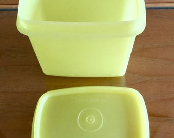 Vintage Tupperware Yellow Food Storage and Server, 4 1/2 by 4 1/2 | Excellant Condition
