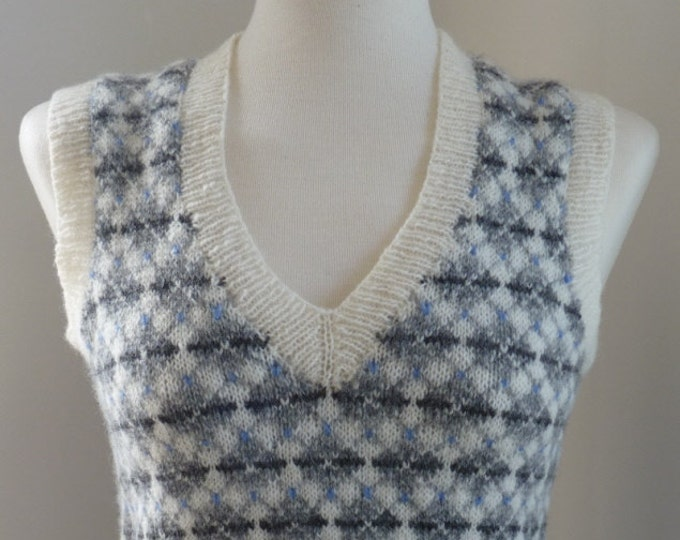 pdf pattern for the Inga Vest by Elizabeth Lovick