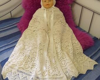 Lesley's Carry Cape Set in fingering weight yarn by Elizabeth Lovick