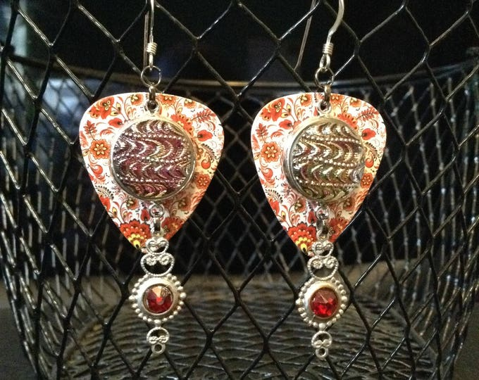 Plectrum Czech Glass Button Vintage-Inspired Earrings