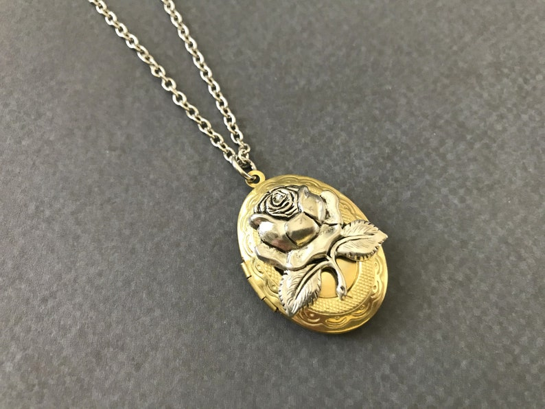 Silver Rose Locket Valentine/'s Day Gift Oval Pendant Matte Gold Flower Photo Locket Floral Easter Jewelry Mother/'s Day Wife Anniversary Gift