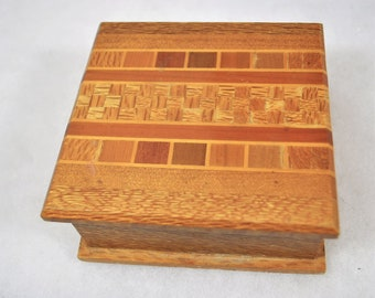 6 types of wood Vintage Souvenir Wooden Trivet from New Zealand Timbers by Sovereign Woodworkers