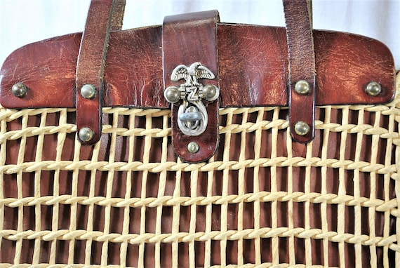 Vintage 60s Woven Straw and Leather Top Handle To… - image 2