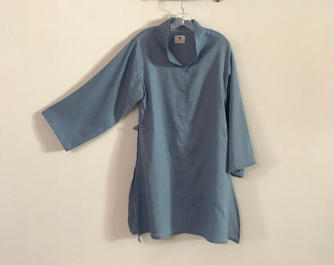 ready to wear sky blue light weight  linen ao dai tunic blouse / size M / summer linen ao dai robe / ready to wear