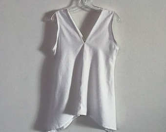 size S ready to ship  white linen sparrow top