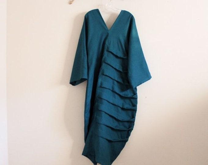 custom bottle shaped spiral pleat dress with puffy kimono sleeves / linen dress / linen party / linen wedding / plus size / petite