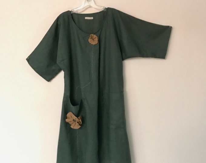 emerald linen dress / kimono sleeves / pockets / ginger flowers / front fold / ready to wear / size M L