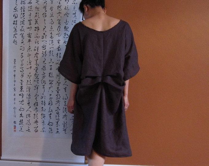 Two folds kimono sleeve pure linen wide end dress / custom dress / made to order dress / plus size dress / brown dress / slip dress /