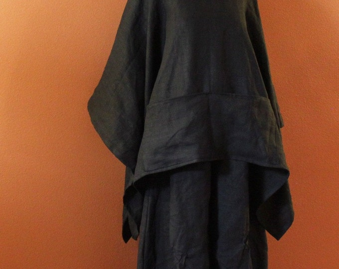 free size heavy linen swallow poncho coat with big pockets / black linen poncho / plus size linen poncho / linen cape / linen coat / poncho