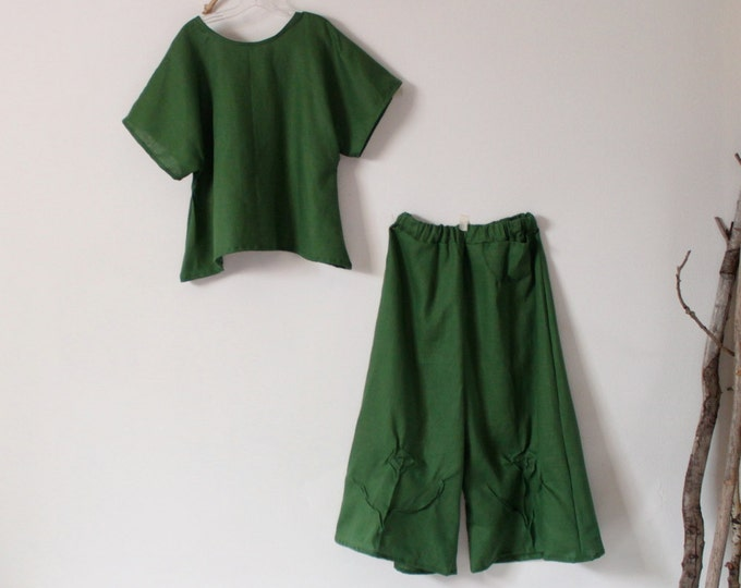 custom linen outfit  simple wavy top rose tuck wide leg pants / Kelly green linen top and pants / custom color / custom size