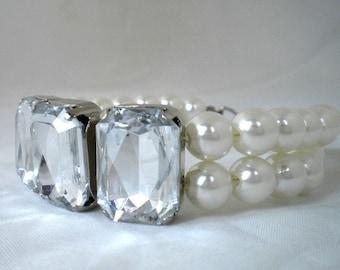 Pearl  Bracelet, Handmade Glass Pearl Bracelet with Swarovski Crystals