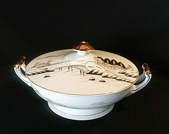 Kutani Gold on White Covered Vegetable Dish 9in.