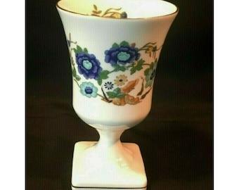 Aynsley Fine Bone China Pedestal Vase. Pembroke w Gold Trim.