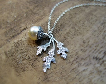 Oak Leaf And Creme Pearl Jewelry Acorn Necklace