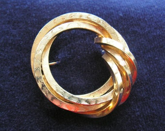 Grosse Germany goldplate circle brooch signed 1959
