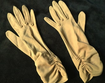 Mid century Meyers Make long shirred dress gloves Beige Size 6