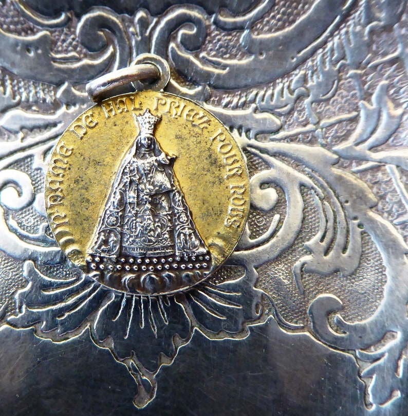BELGIAN Ecce Homo Religious Medal Our Lady Of Halle Crown Of Thorns Catholic Pendant Behold The Man /& Notre Dame De Hal Nursing Madonna