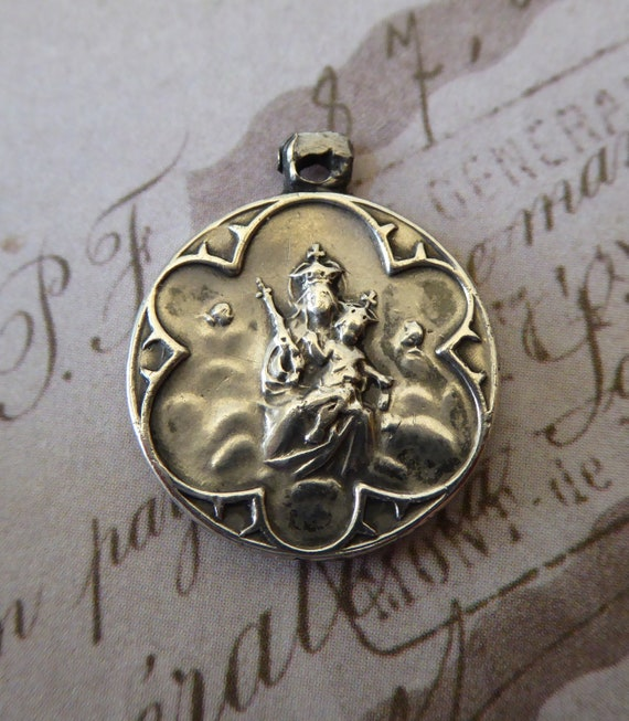 Holy Catholic Pendant GORGEOUS Circa 1940/'s French Matte Silver Scapular Religious Medal Sacred Heart Of Jesus /& Our Lady Of Mount Carmel