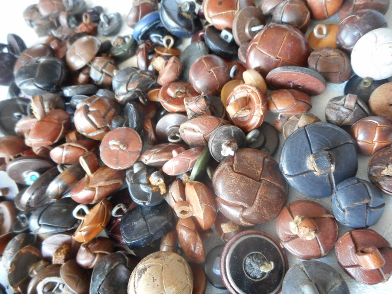 Lot 1Lb VINTAGE 58-1  14 Real Leather /& Faux leather Plastic Adorn Embellish Clothing Sewing Supply Finding Closure Fastener BUTTONS