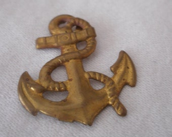 VINTAGE Gold Metal Anchor Costume JEWELRY Trim Prong Pin