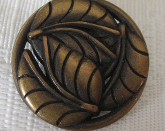 Pierced Metal tri Leaf Button