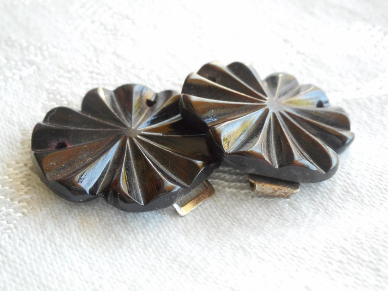 Small VINTAGE Carved Flower Brown Hard Plastic 2 Piece Clothing Adornment Accessory Embellish Sewing Supply Closure Fastener BELT BUCKLE