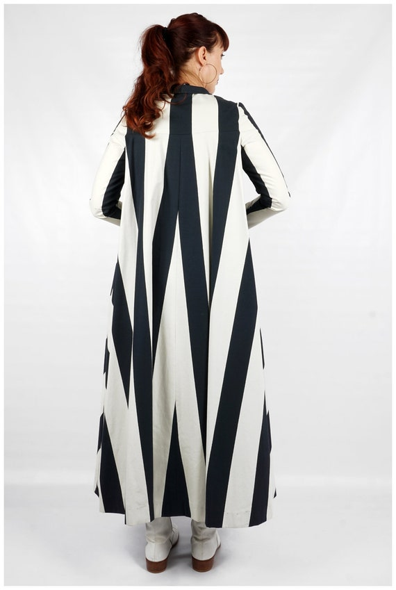 Vintage 1960s Navy and White Striped Collared Max… - image 10