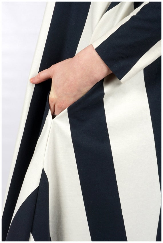 Vintage 1960s Navy and White Striped Collared Max… - image 8